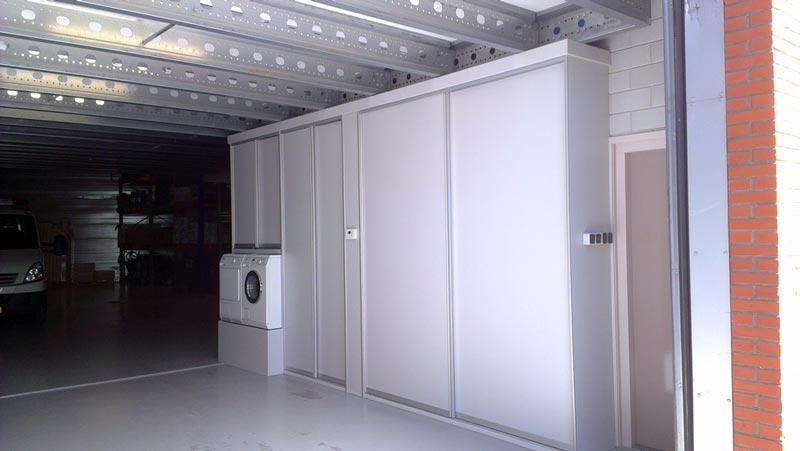 Praktische kastenwand voor schoonmaakbedrijf