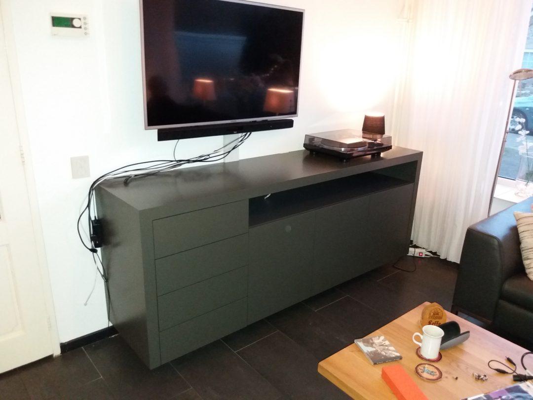 Hangend dressoir/audio meubel en opberg meubel