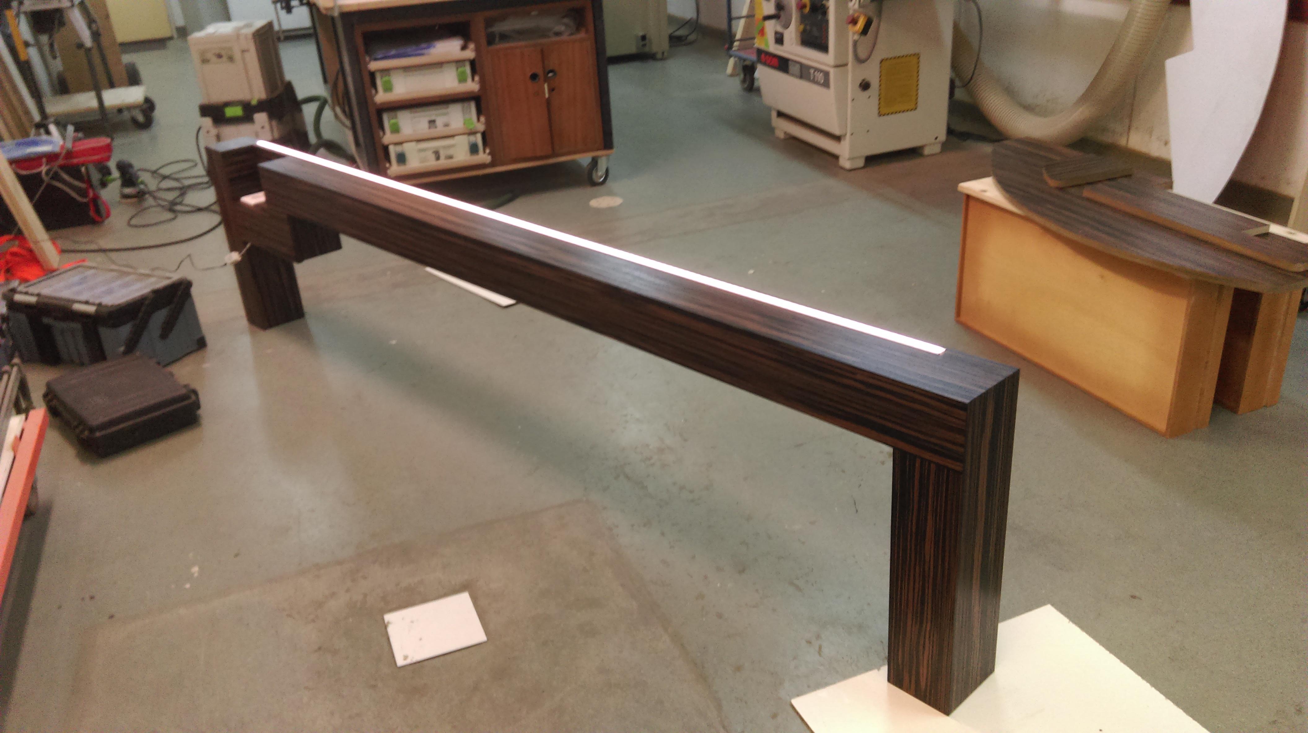 Site table met dim verlichting