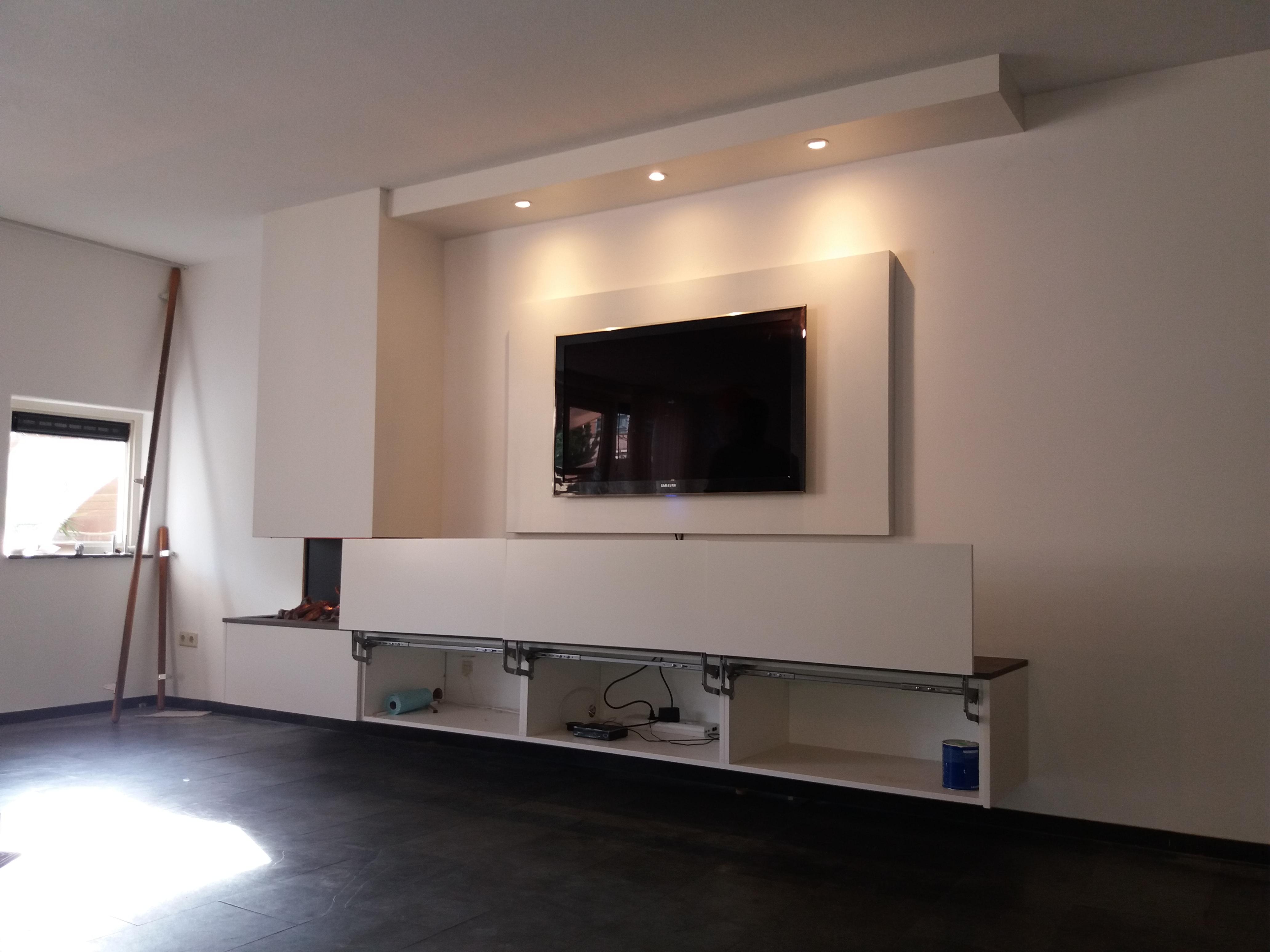 Zwevende Tv Meubel : Zwevend tv meubel met electrische haard tivoli interieurprojekten