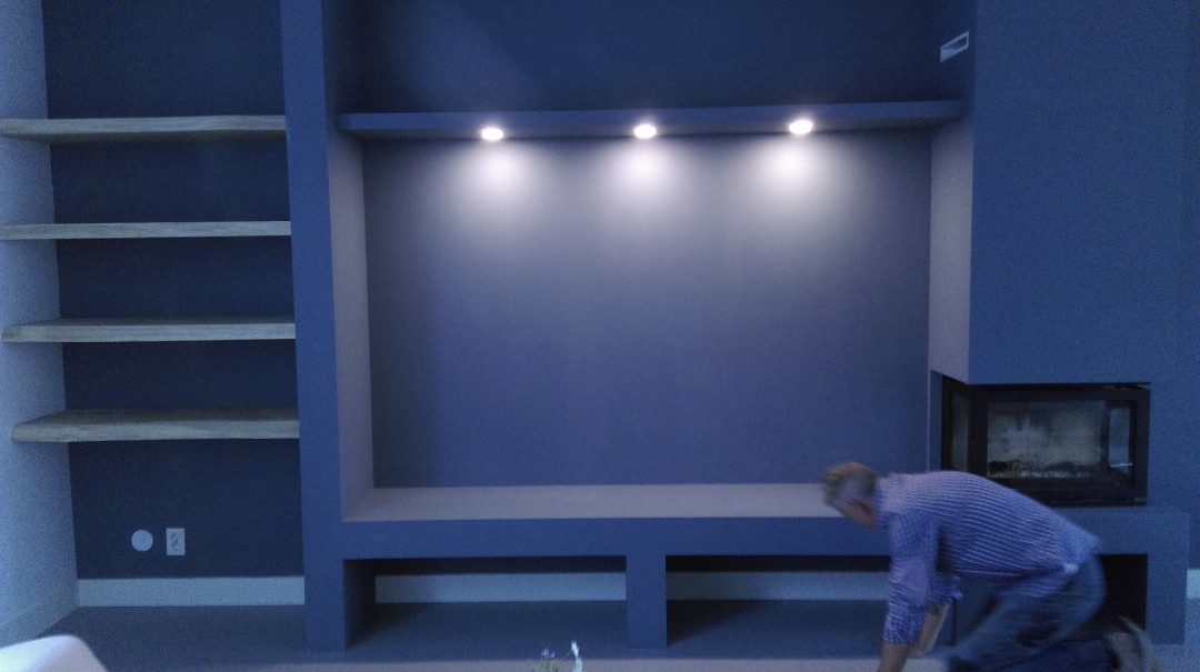 Planken Voor Aan De Wand.Wand Element Met Massieve Eiken Planken Tivoli Interieurprojekten